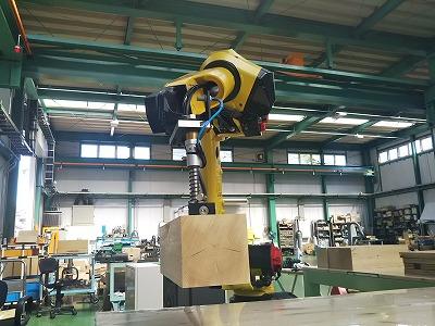 木材用アーム式ロボット マテハン三重